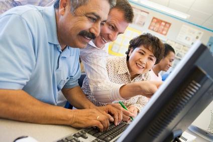stockfresh_85806_mature-students-learning-computer-skills_sizeXS.jpg